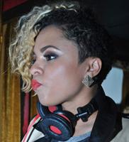DJ Bella Foxx